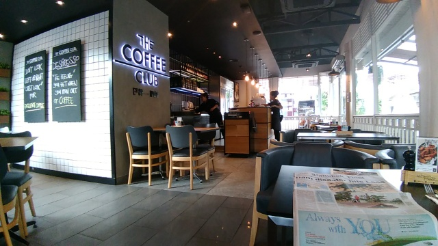 Blueberry Crumble Pancakes, Raspberry Frappe @ THE COFFEE CLUB - Huahin
