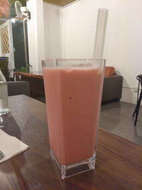 Penang Kwe Tiau Beef, Strawberry Smoothies @ Kafe Potret