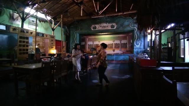Nasi Goreng Jawa, Juice Jeruk @ Inggil Museum Resto