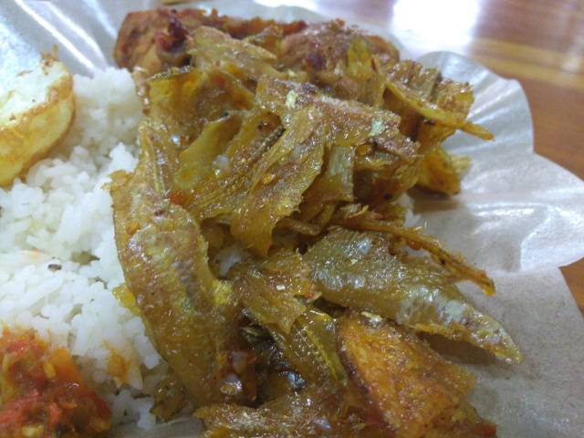 Nasi Ayam Ikan Egg @ Nasi Pedas Ibu Andika