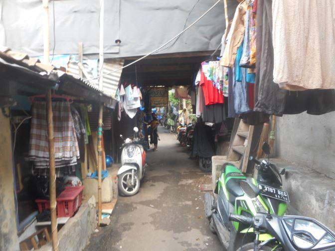 ジャカルタの格差 ~KOTA地区のスラムと、グランドインドネシアモール~