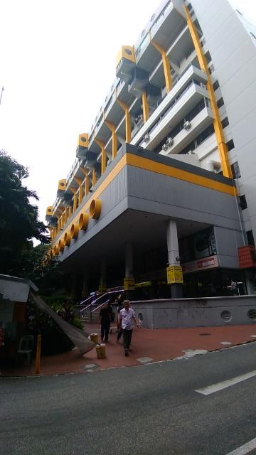 シンガポールで働く出稼ぎ外国人労働者の集合場所
