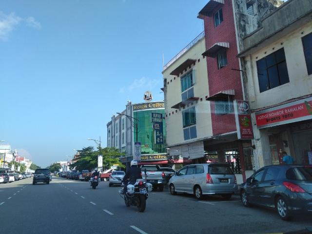 詩人・金子光晴が滞在した旧日本人クラブがある街 バトゥ・パハ観光