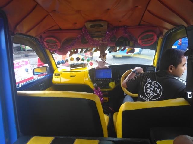 世界中からサーファーが集まる街 西スマトラ州の州都 パダン観光